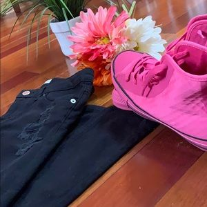 Black Levi's And Hot Pink Converse!